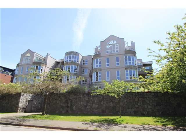 Main Photo: # 207 2428 W 1ST AV in Vancouver: Kitsilano Condo for sale (Vancouver West)  : MLS® # V1064638