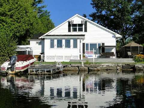 Main Photo: 95 Fells Point Road in Kawartha Lakes: Rural Fenelon House (1 1/2 Storey) for sale : MLS®# X2990514