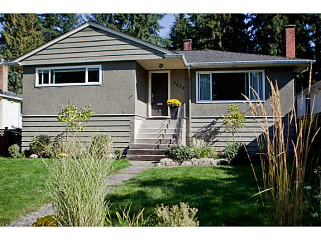 Main Photo: 3624 HENDERSON AV in North Vancouver: Lynn Valley House for sale : MLS®# V1087597