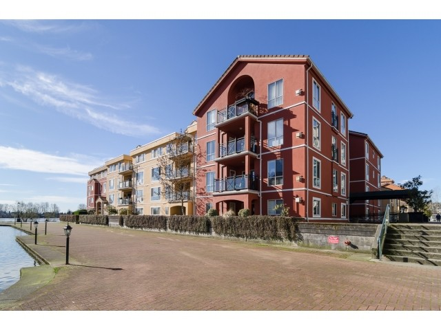Main Photo: # 408 6 RENAISSANCE SQ in New Westminster: Quay Condo for sale : MLS® # V1105251