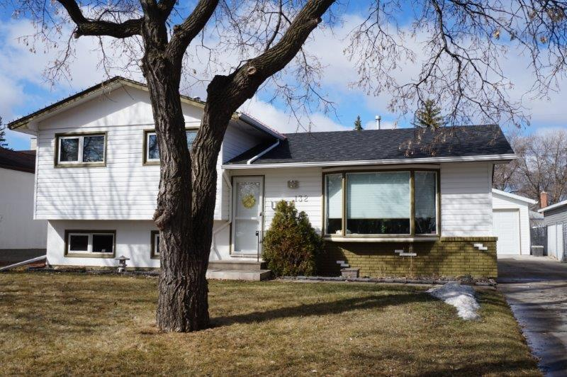 Main Photo: 132 Wharton Boulevard in : Crestview Single Family Detached for sale (West Winnipeg)
