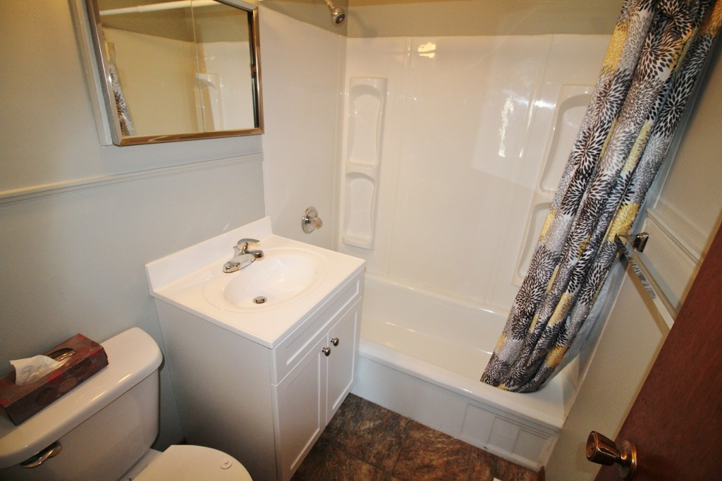 Photo 14: Awesome & Affordable Starter Home With Tons of Upgrades