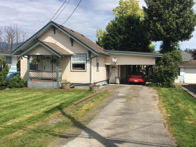 Main Photo: 46293 PORTAGE AVENUE in Chilliwack: Chilliwack N Yale-Well House for sale : MLS®# R2063810