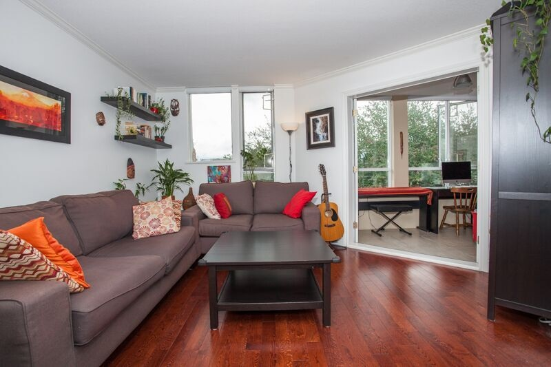 Photo 3: 316 3440 W BROADWAY in Vancouver: Kitsilano Condo for sale (Vancouver West)  : MLS(r) # R2087332