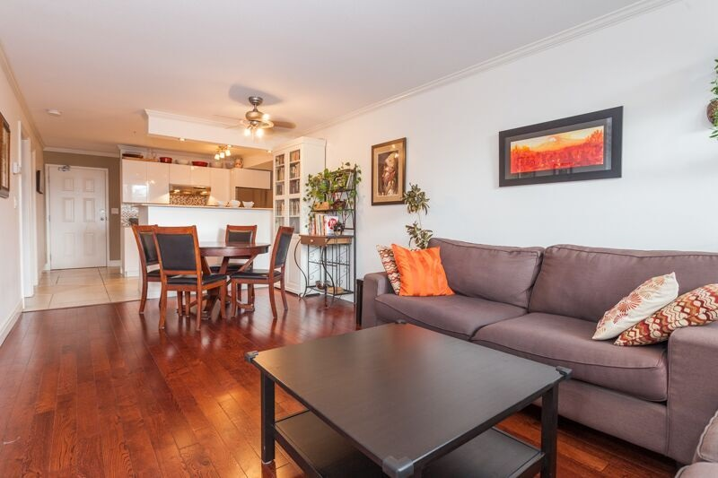 Photo 2: 316 3440 W BROADWAY in Vancouver: Kitsilano Condo for sale (Vancouver West)  : MLS(r) # R2087332