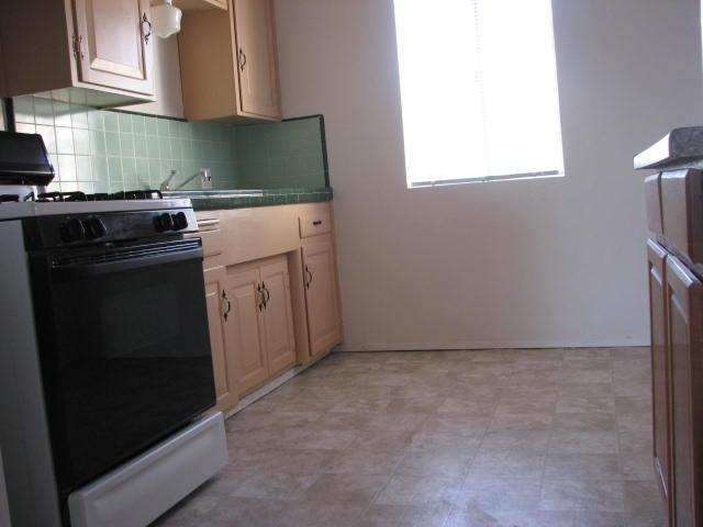 Photo 8: CROWN POINT Home for sale or rent : 2 bedrooms : 3772 INGRAHAM in SAN DIEGO