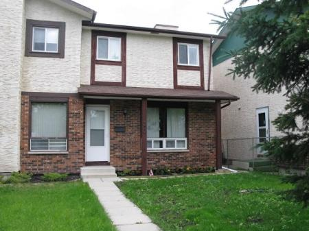 Main Photo: Charming 3 Bedroom Side-By Side