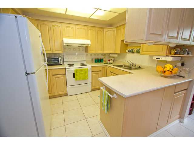 Photo 4: 9620 BISSETT Place in Richmond: McNair House for sale : MLS® # V947968