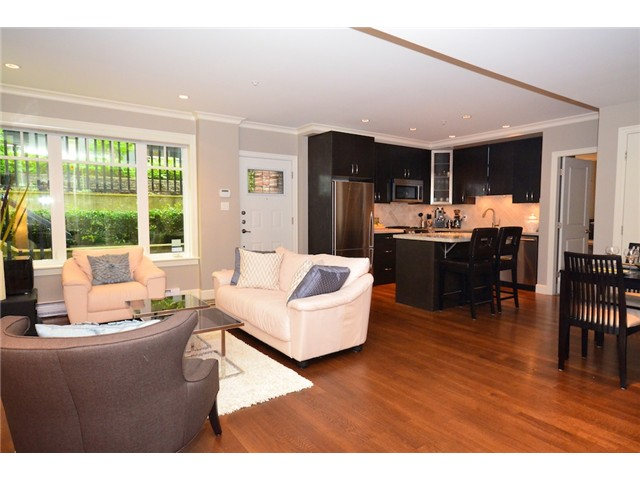 Photo 2: 2862 SPRUCE Street in Vancouver: Fairview VW Townhouse for sale (Vancouver West)  : MLS® # V956552