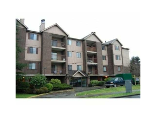 "Main Photo: 126 8500 ACKROYD Road in Richmond: Brighouse Condo for sale in ""WESTHAMPTON COURT"" : MLS® # V992566"