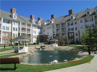 Main Photo: 2350 151 COUNTRY VILLAGE Road NE in : Country Hills Village Condo for sale (Calgary)  : MLS(r) # C3571346