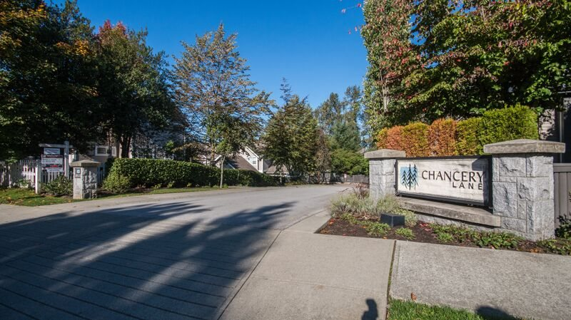 Main Photo: 3 8533 CUMBERLAND PLACE in Burnaby: The Crest Townhouse for sale (Burnaby East)  : MLS®# R2003903
