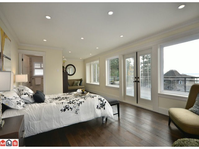 Photo 5: 13577 MARINE Drive in Surrey: Crescent Bch Ocean Pk. House for sale (South Surrey White Rock)  : MLS® # F1226343