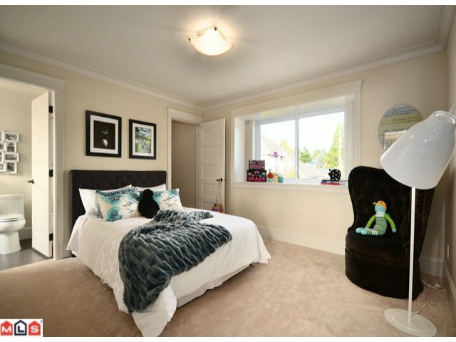 Photo 8: 13577 MARINE Drive in Surrey: Crescent Bch Ocean Pk. House for sale (South Surrey White Rock)  : MLS® # F1226343