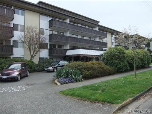 Main Photo: 209 964 Heywood Avenue in VICTORIA: Vi Fairfield West Condo Apartment for sale (Victoria)  : MLS® # 321458