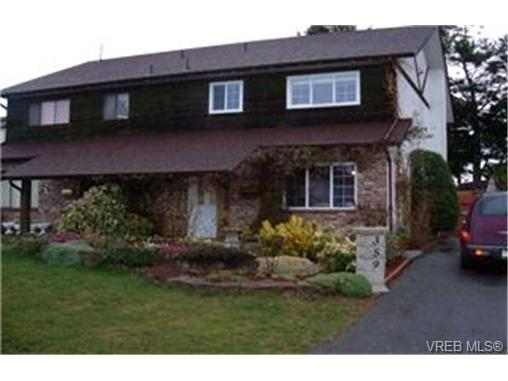 Main Photo: 359 Pooley Place in VICTORIA: Es Old Esquimalt Strata Duplex Unit for sale (Esquimalt)  : MLS® # 211738