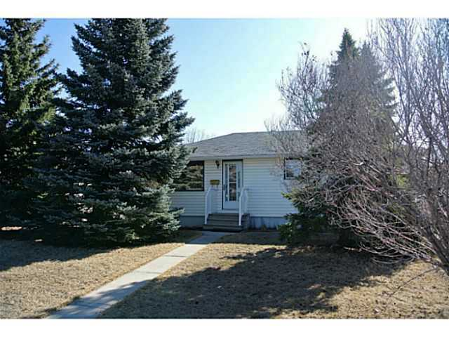 Main Photo: 3136 45 Street SW in CALGARY: Glenbrook Residential Detached Single Family for sale (Calgary)  : MLS® # C3625584