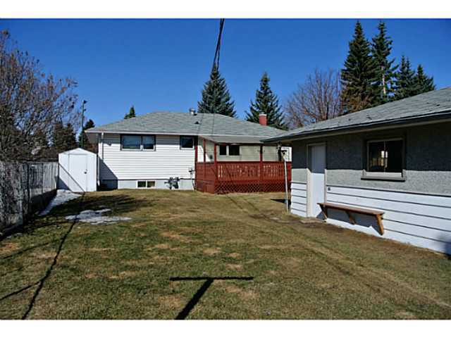 Photo 9: 3136 45 Street SW in CALGARY: Glenbrook Residential Detached Single Family for sale (Calgary)  : MLS® # C3625584