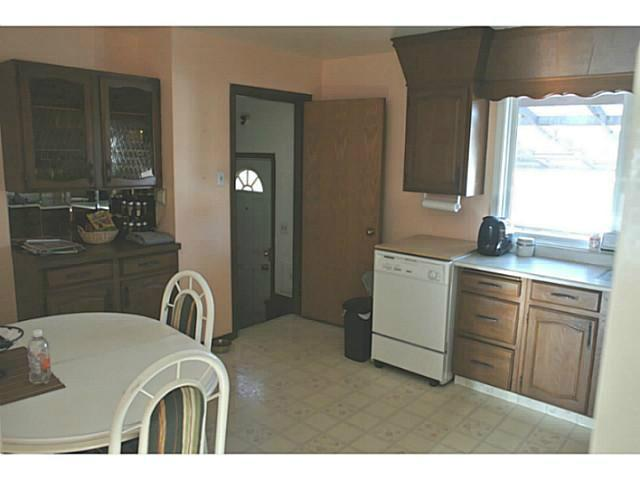 Photo 4: 3136 45 Street SW in CALGARY: Glenbrook Residential Detached Single Family for sale (Calgary)  : MLS® # C3625584
