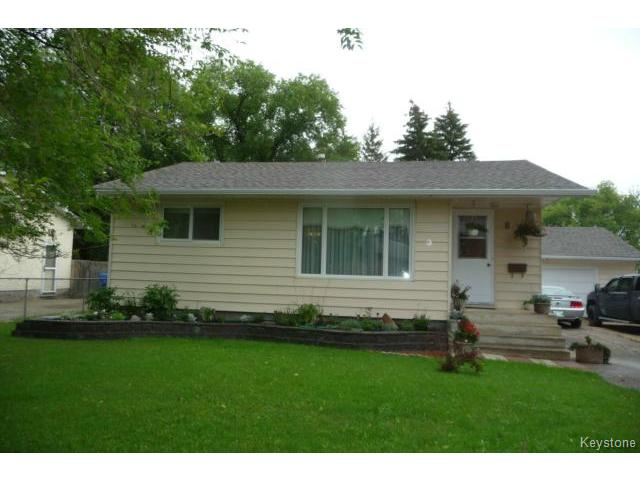 Main Photo: 853 Elmhurst Road in WINNIPEG: Charleswood Residential for sale (South Winnipeg)  : MLS® # 1420938