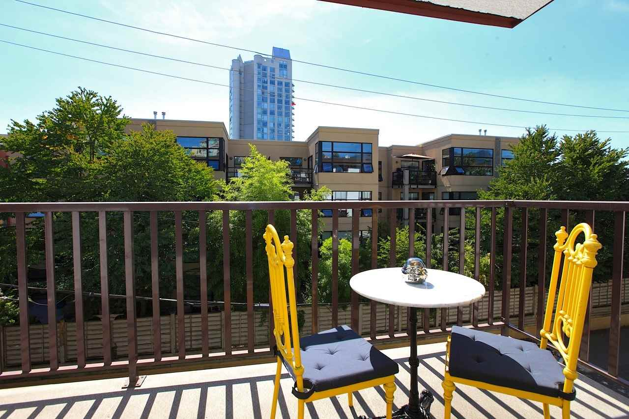 Photo 16: Photos: 211 131 W 4TH STREET in North Vancouver: Lower Lonsdale Condo for sale : MLS® # R2102695