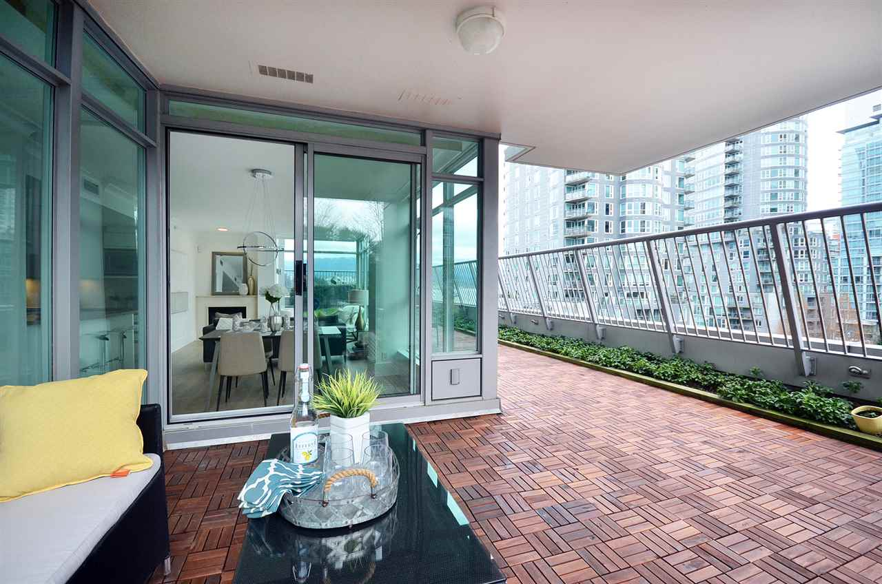 Photo 2: 803 1616 BAYSHORE DRIVE in Vancouver: Coal Harbour Condo for sale (Vancouver West)  : MLS(r) # R2128856