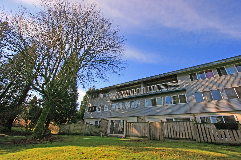 "Photo 16: 1053 CECILE Drive in Port Moody: College Park PM Townhouse for sale in ""CECILE HEIGHTS"" : MLS(r) # V931590"