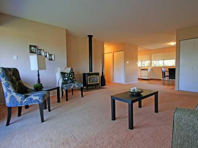 "Photo 8: 1053 CECILE Drive in Port Moody: College Park PM Townhouse for sale in ""CECILE HEIGHTS"" : MLS(r) # V931590"