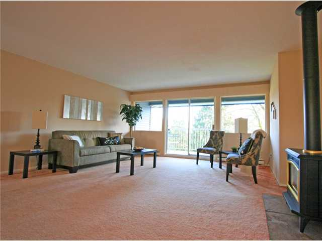 "Main Photo: 1053 CECILE Drive in Port Moody: College Park PM Townhouse for sale in ""CECILE HEIGHTS"" : MLS® # V931590"