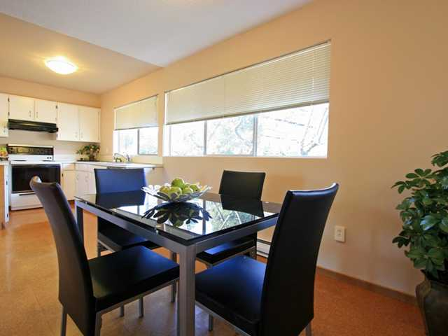 "Photo 2: 1053 CECILE Drive in Port Moody: College Park PM Townhouse for sale in ""CECILE HEIGHTS"" : MLS(r) # V931590"