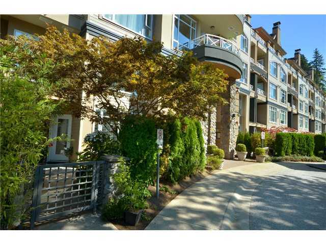 "Main Photo: 105 3600 WINDCREST Drive in North Vancouver: Roche Point Townhouse for sale in ""WINDSONG"" : MLS®# V932458"