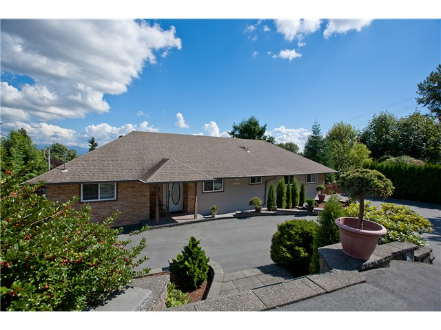 Main Photo: 3009 SPURAWAY Avenue in Coquitlam: Ranch Park House for sale : MLS® # V969239