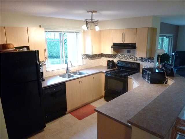 Photo 2: # 1313 248 SHERBROOKE ST in : Sapperton Condo for sale : MLS(r) # V929392