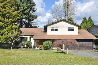 "Main Photo: 13571 61A Avenue in Surrey: Panorama Ridge House for sale in ""Panorama Ridge North"" : MLS(r) # F1306977"