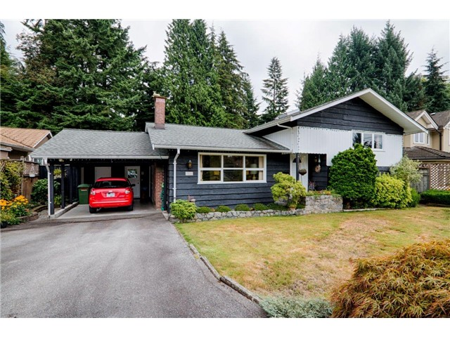 "Main Photo: 3545 WELLINGTON Crescent in North Vancouver: Edgemont House for sale in ""RS3"" : MLS® # V1080436"