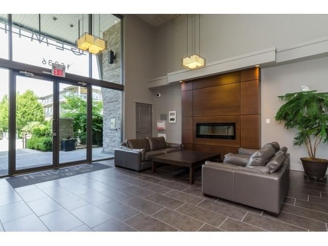 Photo 2: # 204 15336 17A AV in Surrey: King George Corridor Condo for sale (South Surrey White Rock)  : MLS® # F1444297