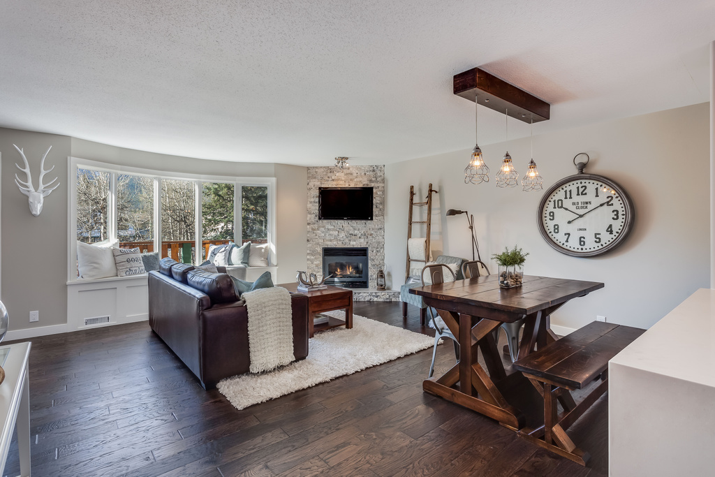 Photo 1: #101 828 6 Street: Canmore House for sale : MLS® # C4060372