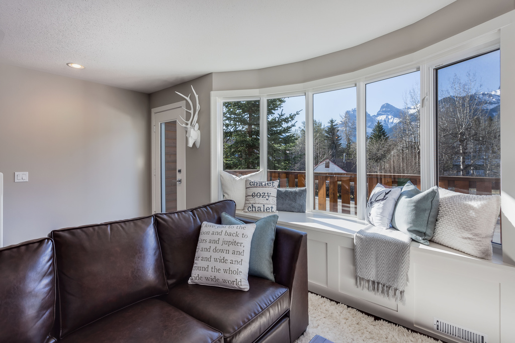 Photo 4: #101 828 6 Street: Canmore House for sale : MLS® # C4060372