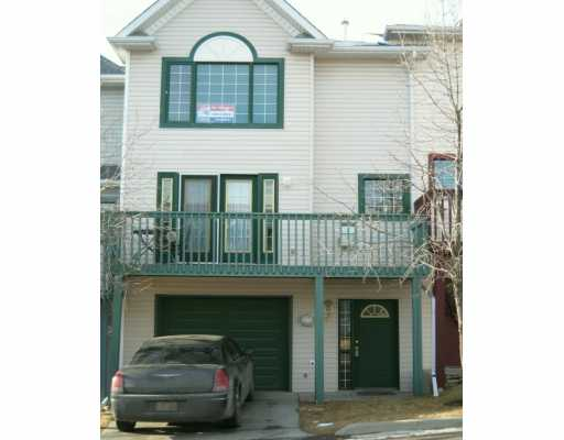 Main Photo:  in CALGARY: Prominence Patterson Townhouse for sale (Calgary)  : MLS® # C3196297