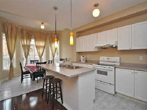 Photo 7: 5656 Longboat Avenue in Mississauga: Churchill Meadows House (2-Storey) for sale : MLS(r) # W2592566