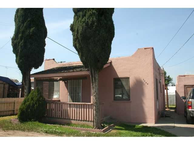 Main Photo: LEMON GROVE House for sale : 4 bedrooms : 7462 Daytona Street