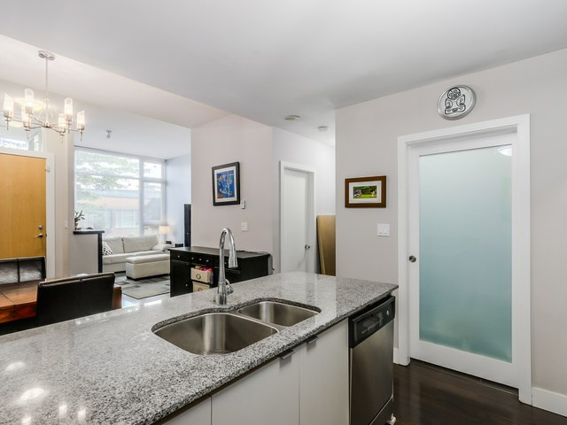 Photo 9: 296 E 11TH AV in Vancouver: Mount Pleasant VE Condo for sale (Vancouver East)  : MLS® # V1137988