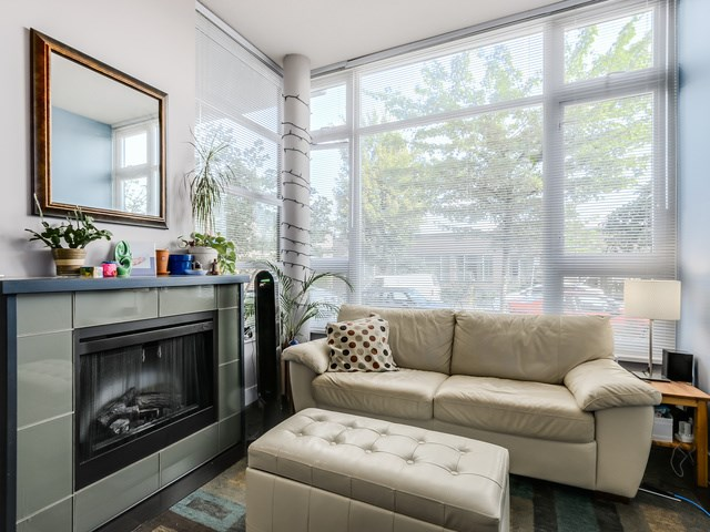Photo 3: 296 E 11TH AV in Vancouver: Mount Pleasant VE Condo for sale (Vancouver East)  : MLS® # V1137988