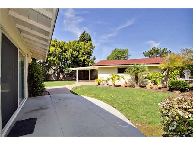 Photo 25: DEL CERRO House for sale : 3 bedrooms : 6301 N Glenmont Street in San Diego