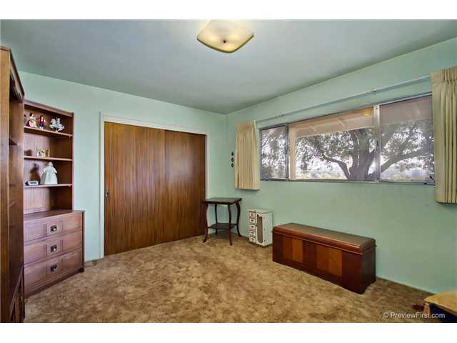 Photo 22: DEL CERRO House for sale : 3 bedrooms : 6301 N Glenmont Street in San Diego