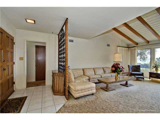 Photo 6: DEL CERRO House for sale : 3 bedrooms : 6301 N Glenmont Street in San Diego