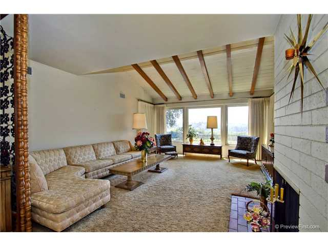 Photo 7: DEL CERRO House for sale : 3 bedrooms : 6301 N Glenmont Street in San Diego