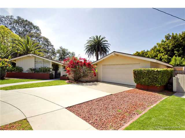 Photo 2: DEL CERRO House for sale : 3 bedrooms : 6301 N Glenmont Street in San Diego