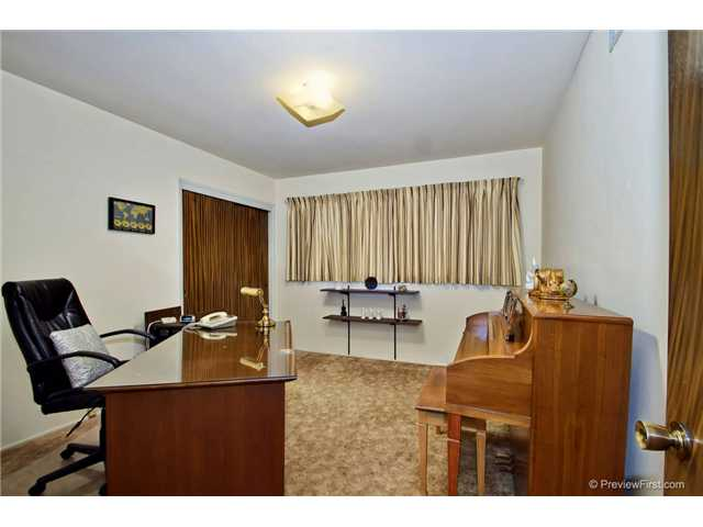 Photo 23: DEL CERRO House for sale : 3 bedrooms : 6301 N Glenmont Street in San Diego