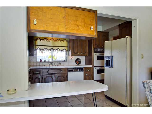 Photo 14: DEL CERRO House for sale : 3 bedrooms : 6301 N Glenmont Street in San Diego